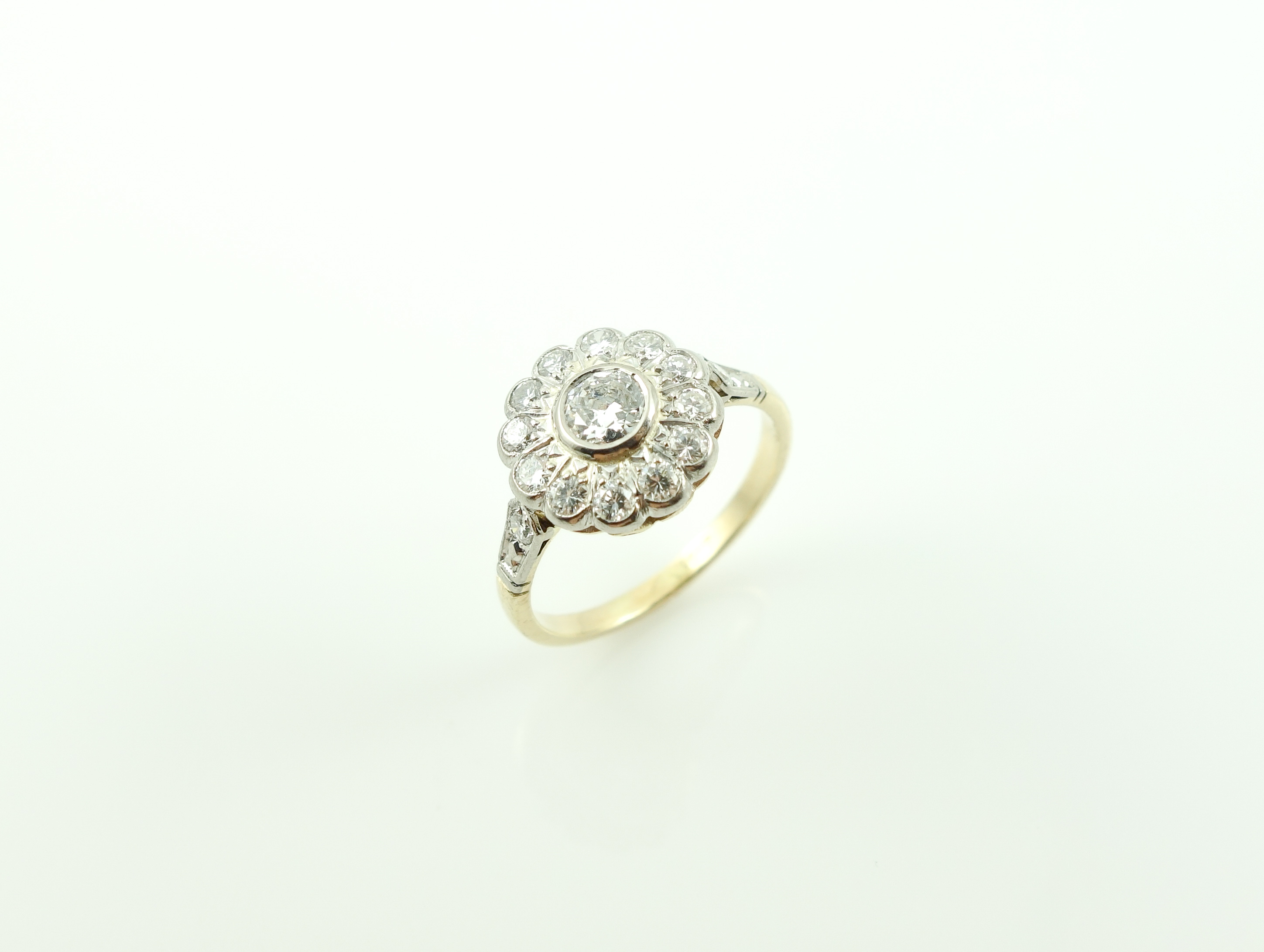 Ring - 18ct yellow and white gold diamond cluster 0.60ct
